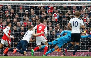 skysports-kevin-wimmer-own-goal-arsenal-tottenham_3825160