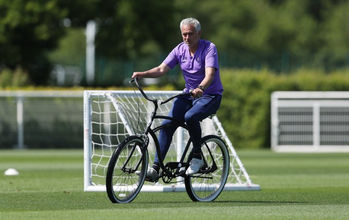 Twitter eas entertained with the picture of Jose Mourinho riding a bicycle