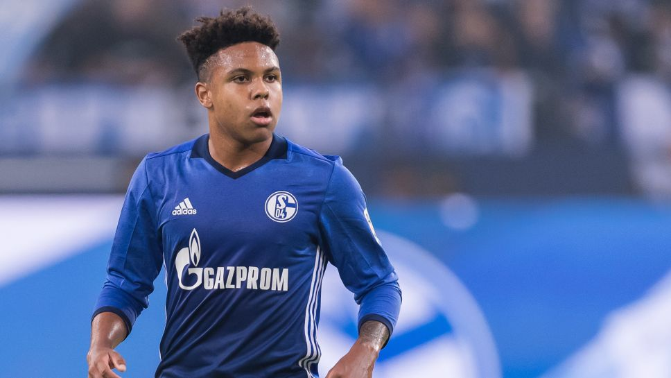 Weston McKennie could be sold by Schalke