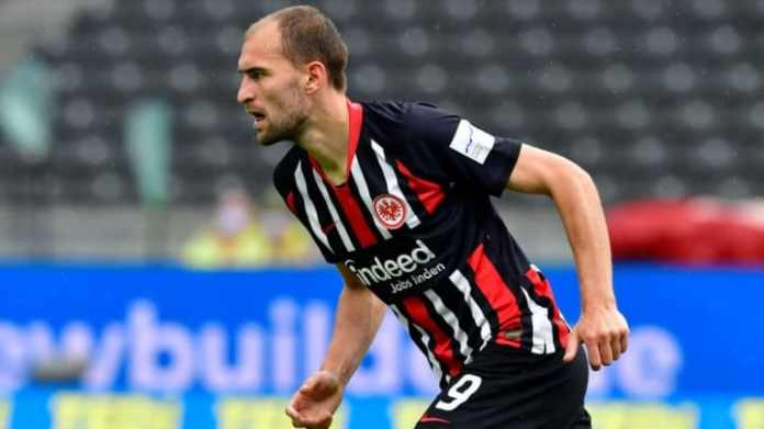 Bas Dost has emerged as a target for Tottenham (Getty Images)