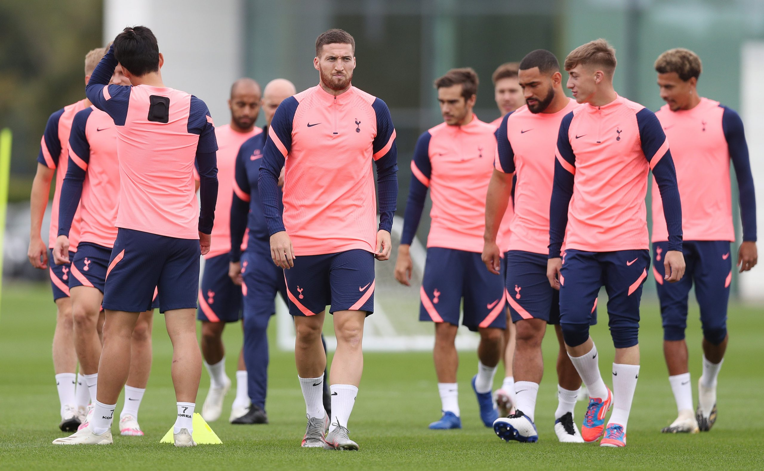 Tottenham players in training. (Twitter/SpursOfficial)
