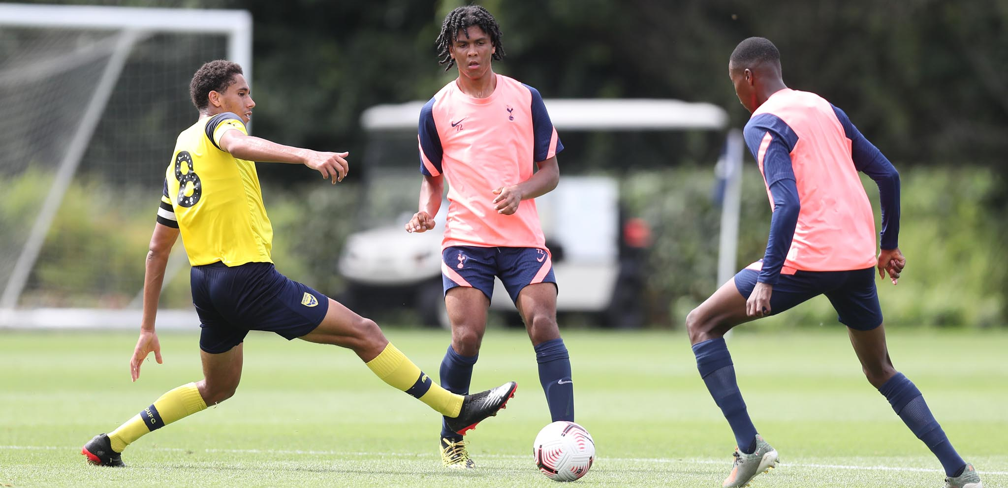 Marqes Muir (C) in action for the U18s (Tottenham Hotspur FC via Getty Images)