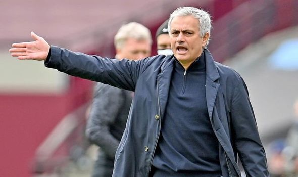 Mourinho under pressure as Tottenham lost to West Ham