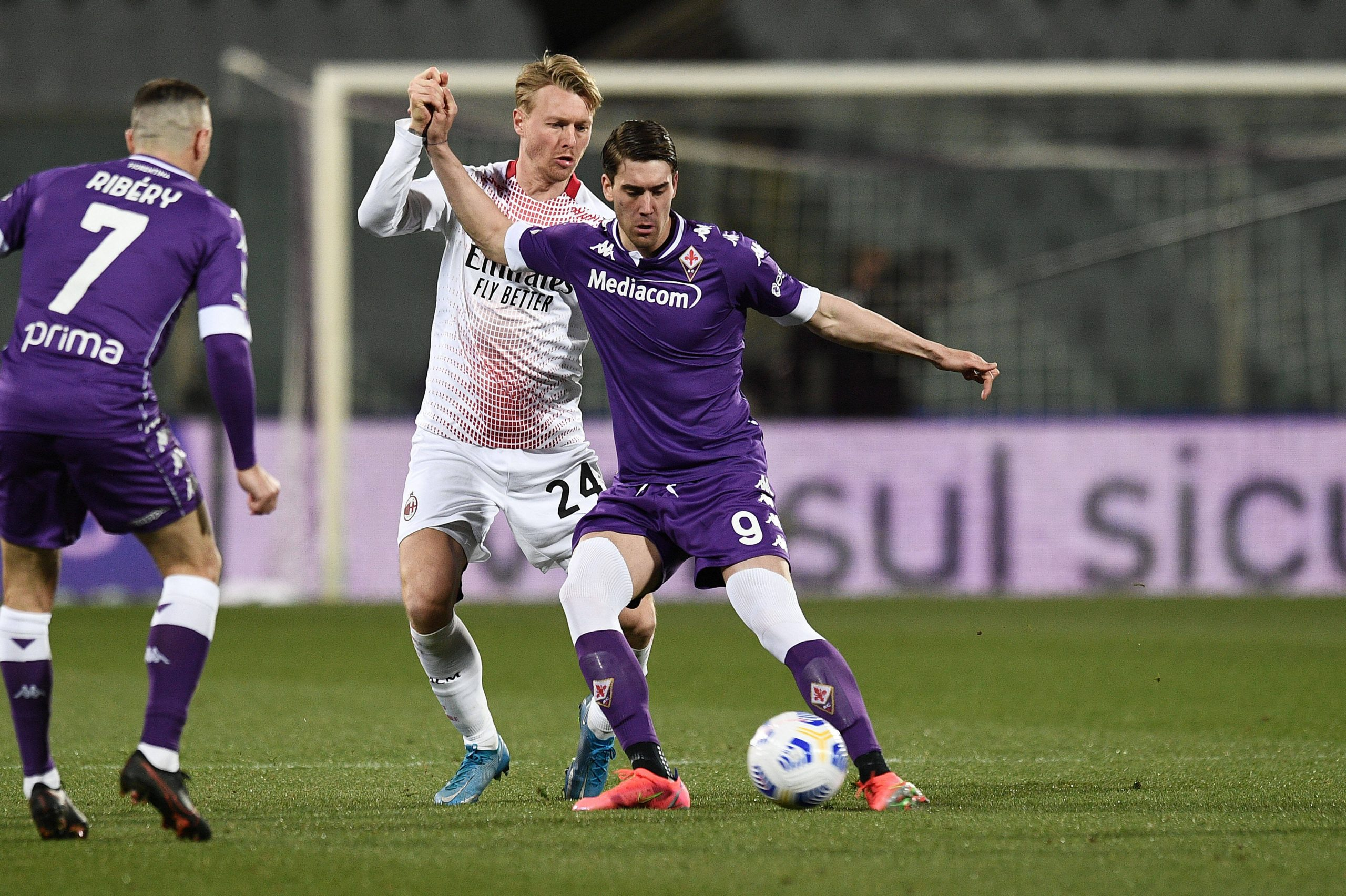 Dusan Vlahovic of ACF Fiorentina in action.